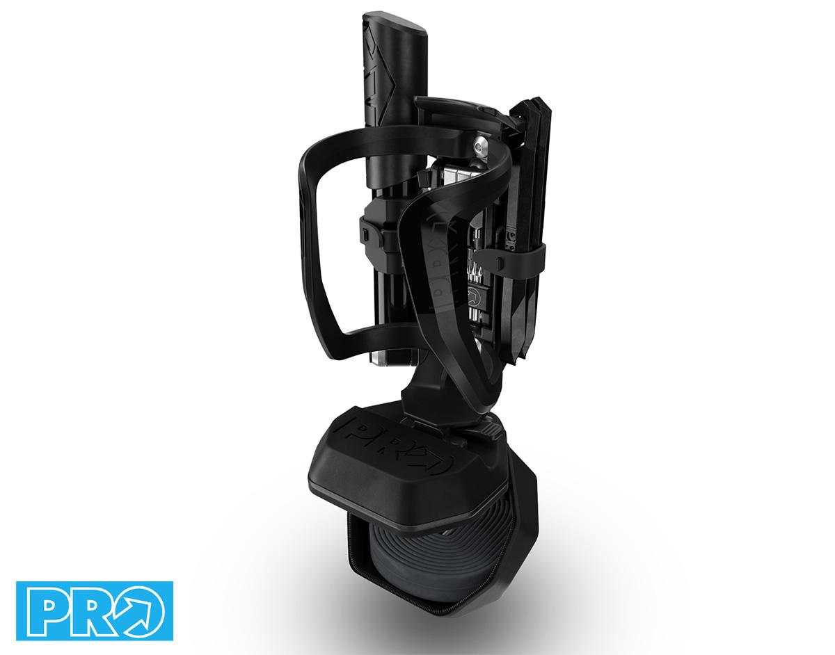Dettaglio del portaborraccia PRO Smart Bottle Cage, regolabile e dotato di una soluzione di stoccaggio integrata
