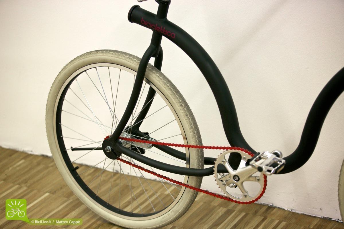 Biciclettica una bici con un tubo e tre forcelle for Una planimetria della cabina del telaio