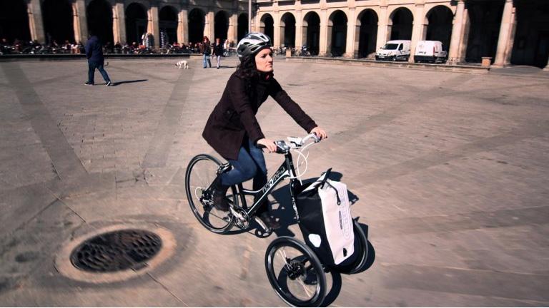 Noomad bike la bicicletta con tre ruote per la citt for Bicicletta per tre persone