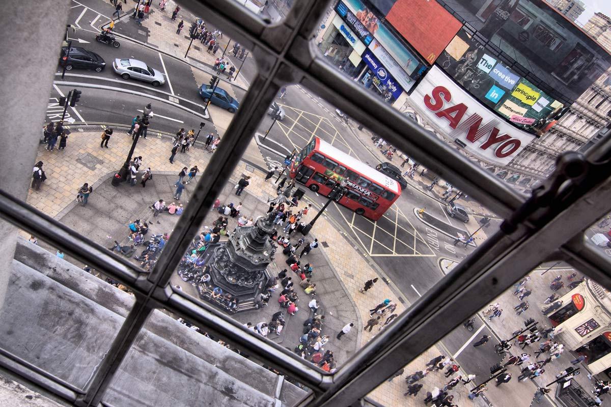 Una piazza londinese vista dall'alto